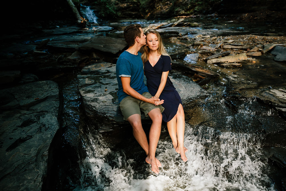 wedding-photographers-in-cleveland-ohio-in-cuyahoga-valley-national-park-engagement-photography-24.jpg