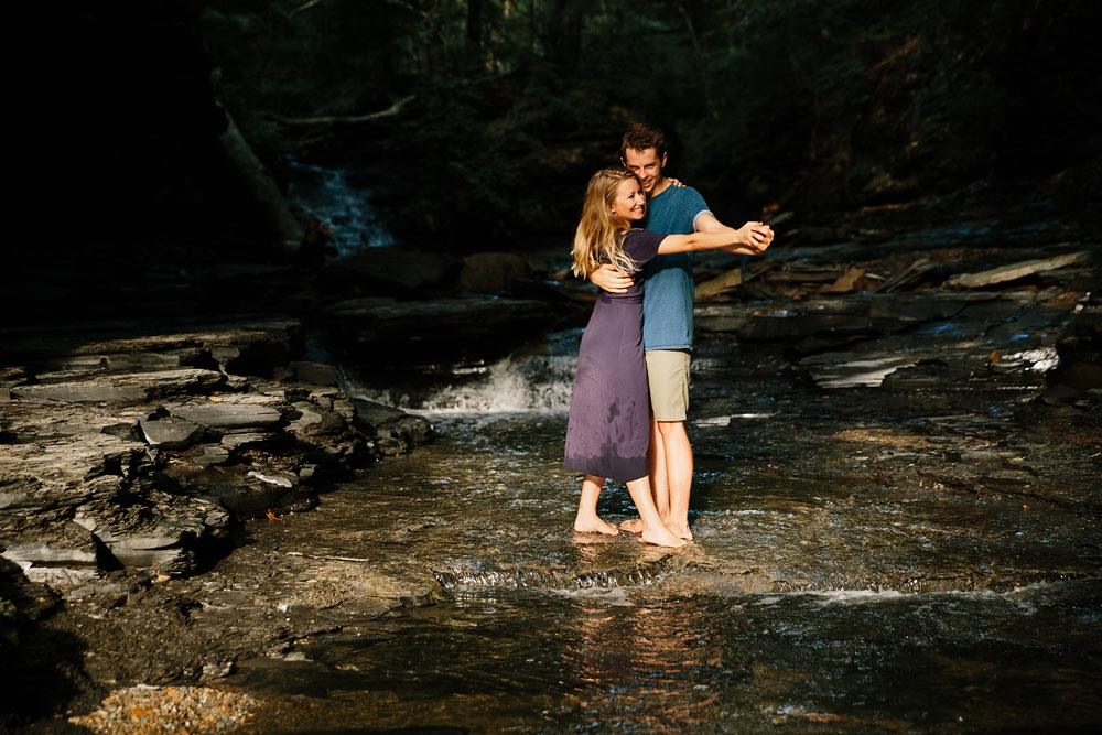 wedding-photographers-in-cleveland-ohio-in-cuyahoga-valley-national-park-engagement-photography-30.jpg