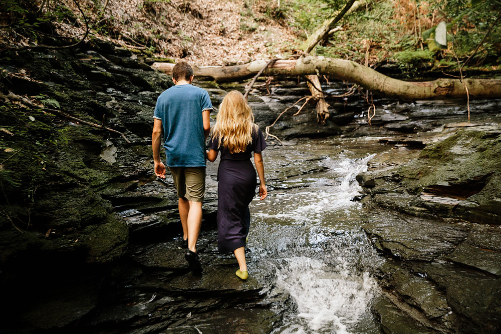 wedding-photographers-in-cleveland-ohio-in-cuyahoga-valley-national-park-engagement-photography-49.jpg