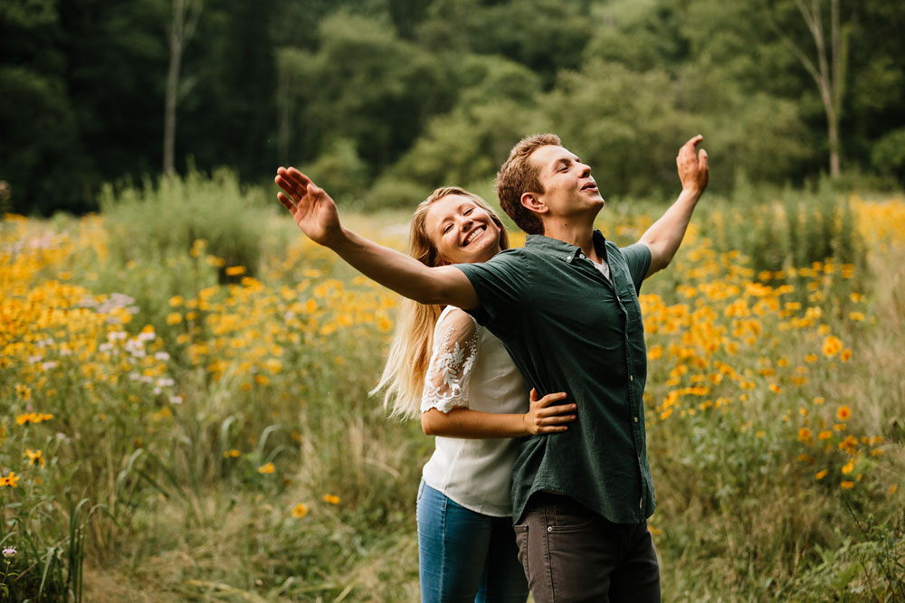 wedding-photographers-in-cleveland-ohio-in-cuyahoga-valley-national-park-engagement-photography-62.jpg