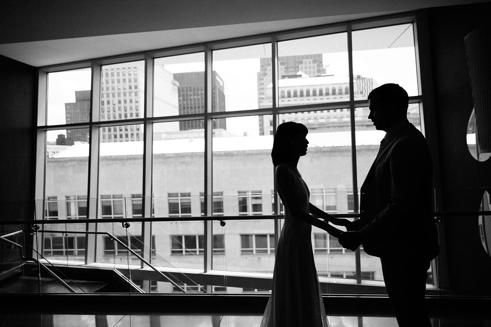 wedding-photographers-in-cleveland-ohio-downtown-orchard-hills-center-pattersons-fruit-farm-17.jpg