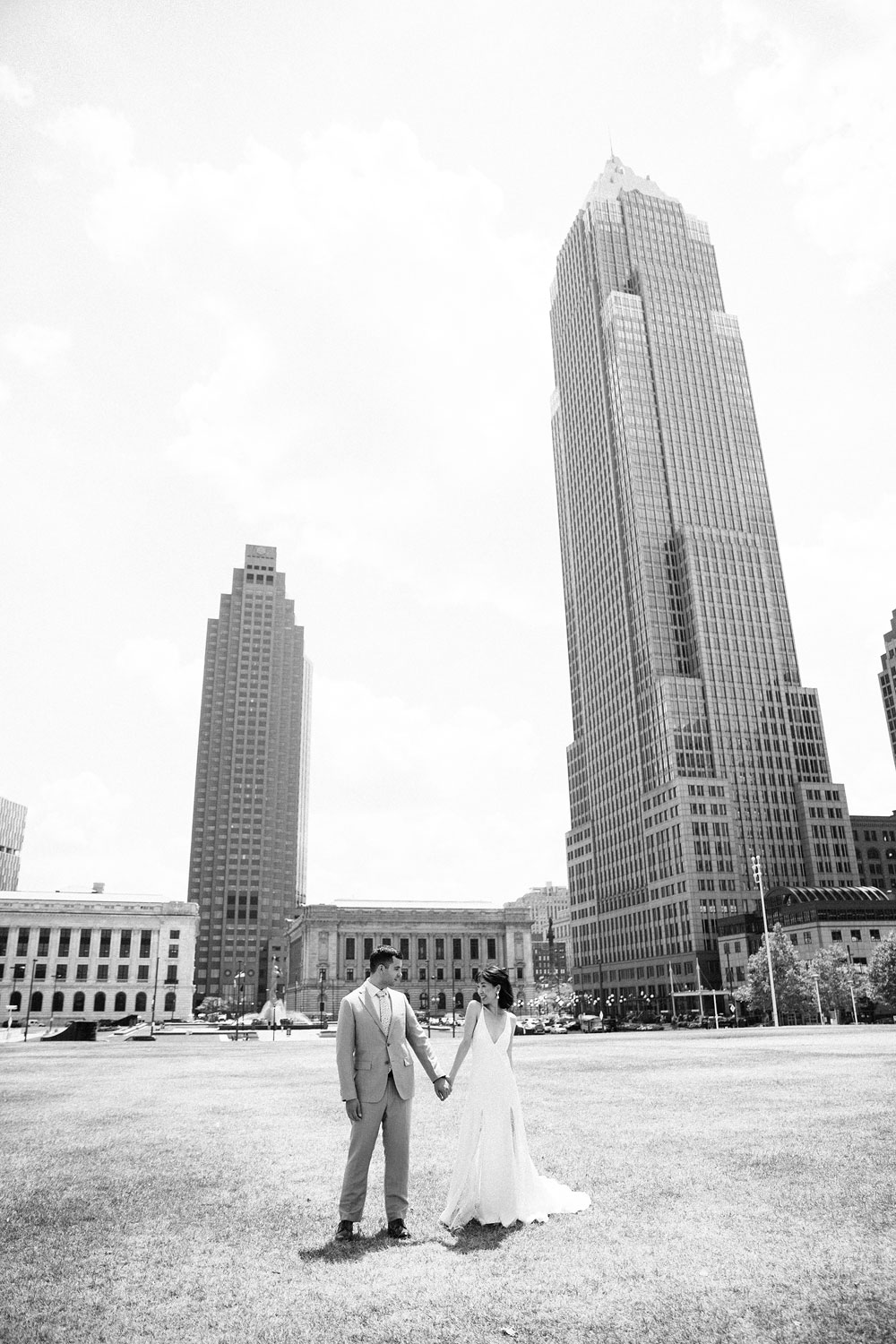 wedding-photographers-in-cleveland-ohio-downtown-orchard-hills-center-pattersons-fruit-farm-23.jpg