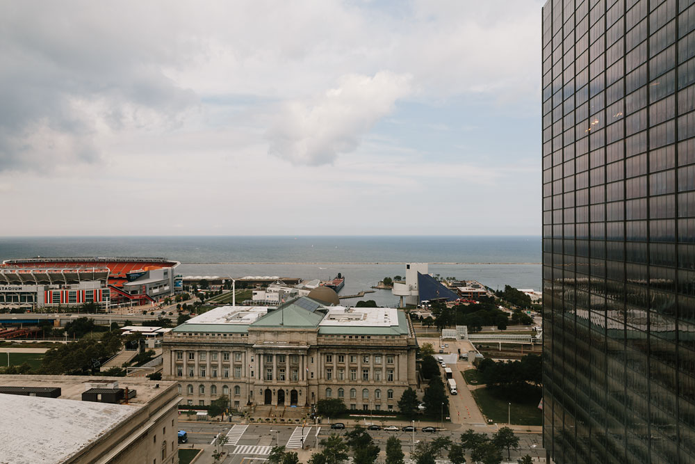 tenk-west-bank-flats-photography-wedding-photographers-in-cleveland-downtown-industrial-6.jpg