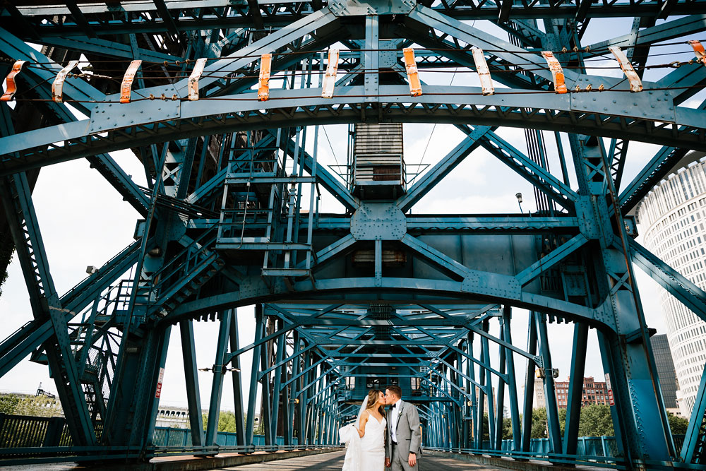 tenk-west-bank-flats-photography-wedding-photographers-in-cleveland-downtown-industrial-70.jpg
