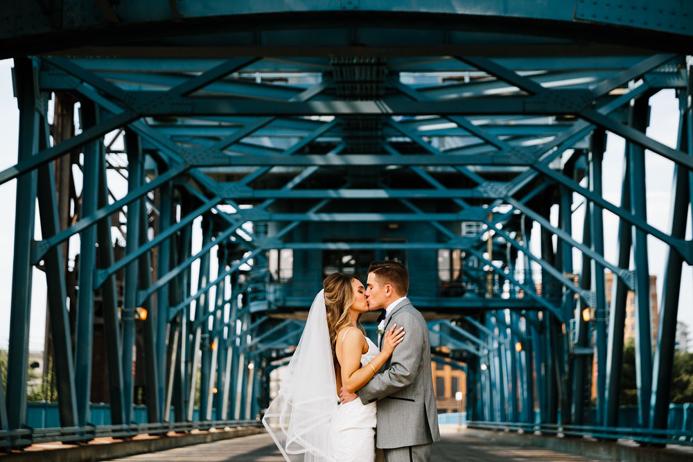 tenk-west-bank-flats-photography-wedding-photographers-in-cleveland-downtown-industrial-72.jpg