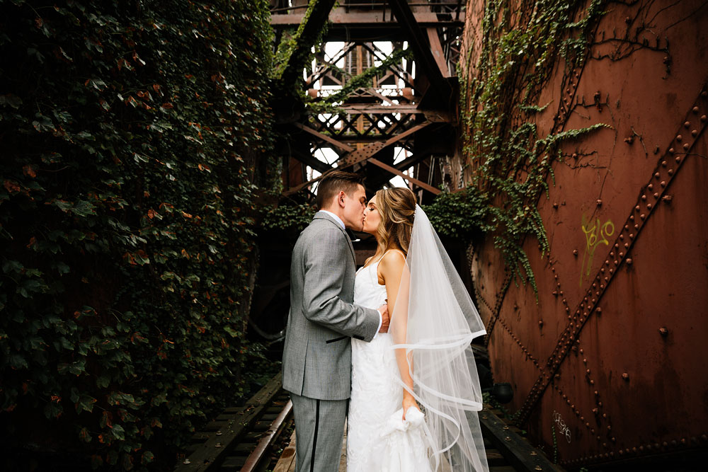 tenk-west-bank-flats-photography-wedding-photographers-in-cleveland-downtown-industrial-92.jpg