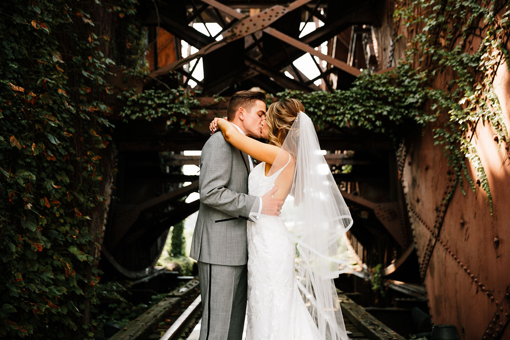 tenk-west-bank-flats-photography-wedding-photographers-in-cleveland-downtown-industrial-93.jpg