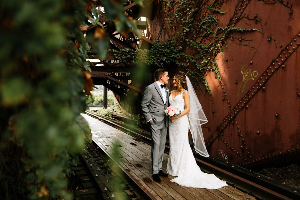 tenk-west-bank-flats-photography-wedding-photographers-in-cleveland-downtown-industrial-96.jpg