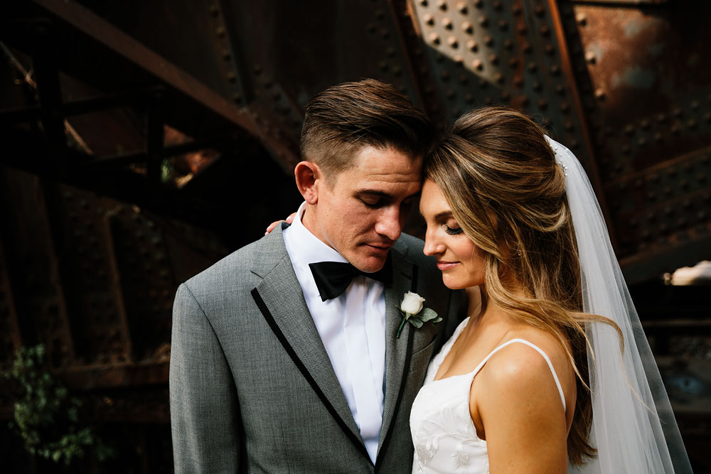 tenk-west-bank-flats-photography-wedding-photographers-in-cleveland-downtown-industrial-101.jpg