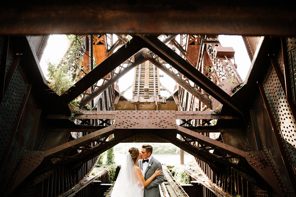 tenk-west-bank-flats-photography-wedding-photographers-in-cleveland-downtown-industrial-103.jpg
