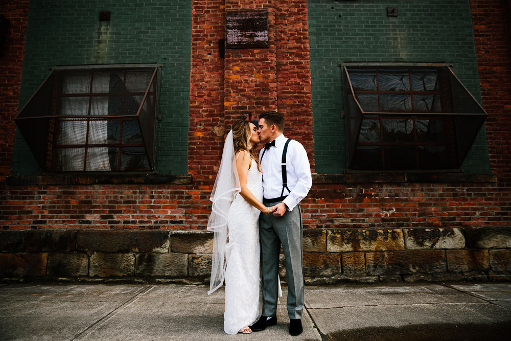 tenk-west-bank-flats-photography-wedding-photographers-in-cleveland-downtown-industrial-105.jpg