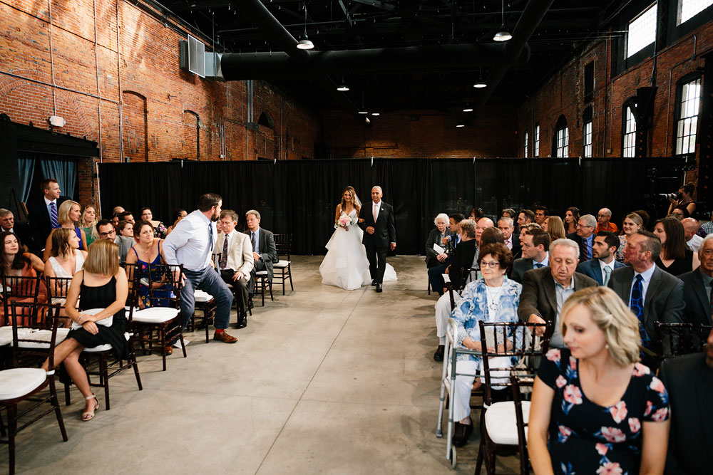 tenk-west-bank-flats-photography-wedding-photographers-in-cleveland-downtown-industrial-118.jpg