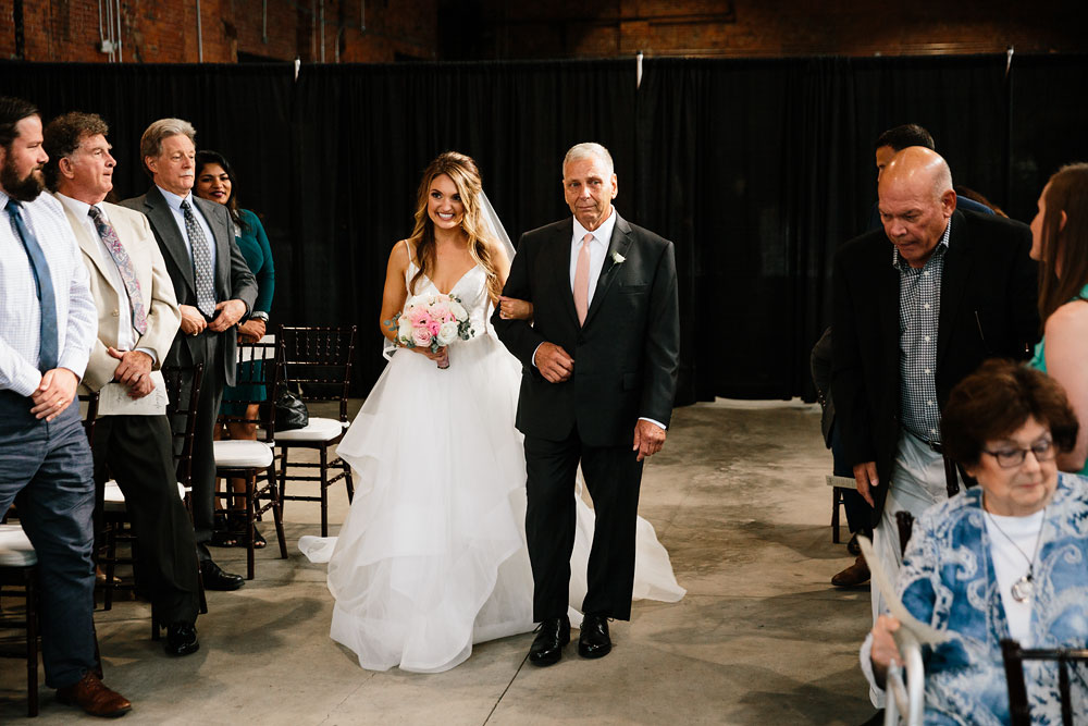 tenk-west-bank-flats-photography-wedding-photographers-in-cleveland-downtown-industrial-120.jpg