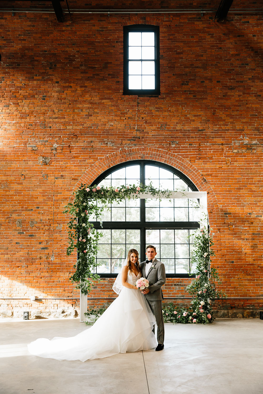 tenk-west-bank-flats-photography-wedding-photographers-in-cleveland-downtown-industrial-147.jpg