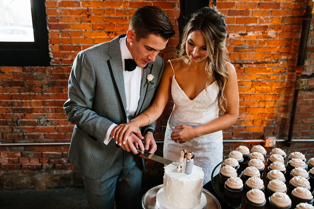 tenk-west-bank-flats-photography-wedding-photographers-in-cleveland-downtown-industrial-172.jpg