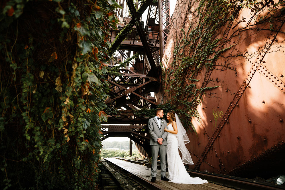 tenk-west-bank-flats-photography-wedding-photographers-in-cleveland-downtown-industrial-98.jpg