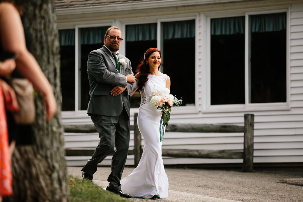 orchard-hills-center-at-pattersons-fruit-farm-wedding-photography-wedding-photographers-in-cleveland-30.jpg