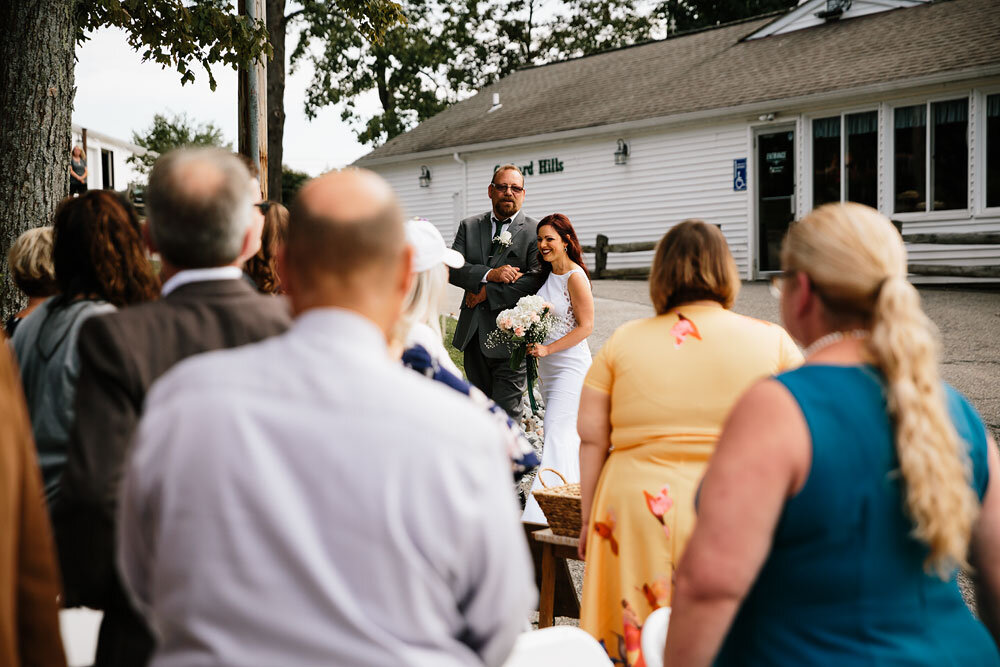 orchard-hills-center-at-pattersons-fruit-farm-wedding-photography-wedding-photographers-in-cleveland-32.jpg