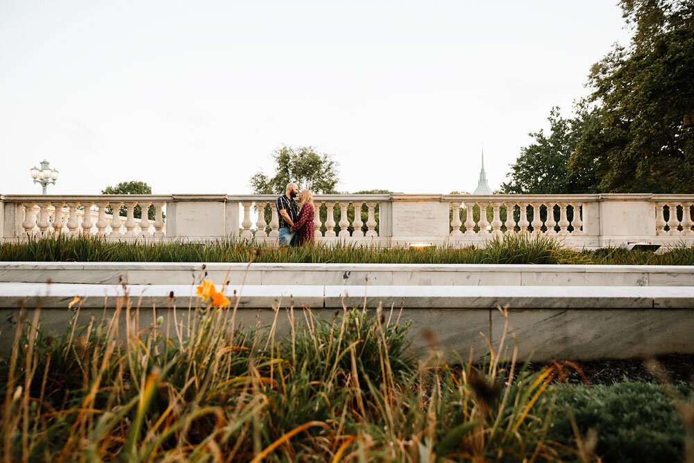 wedding-photographers-in-cleveland-engagement-photography-at-cleveland-museum-of-art-university-circle-9.jpg
