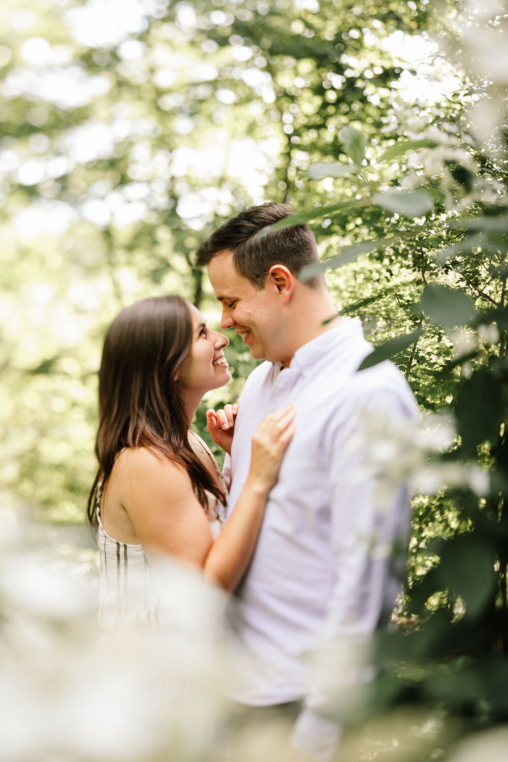 south-chagrin-reservation-engagement-portraits-wedding-photographers-in-cleveland-2.jpg