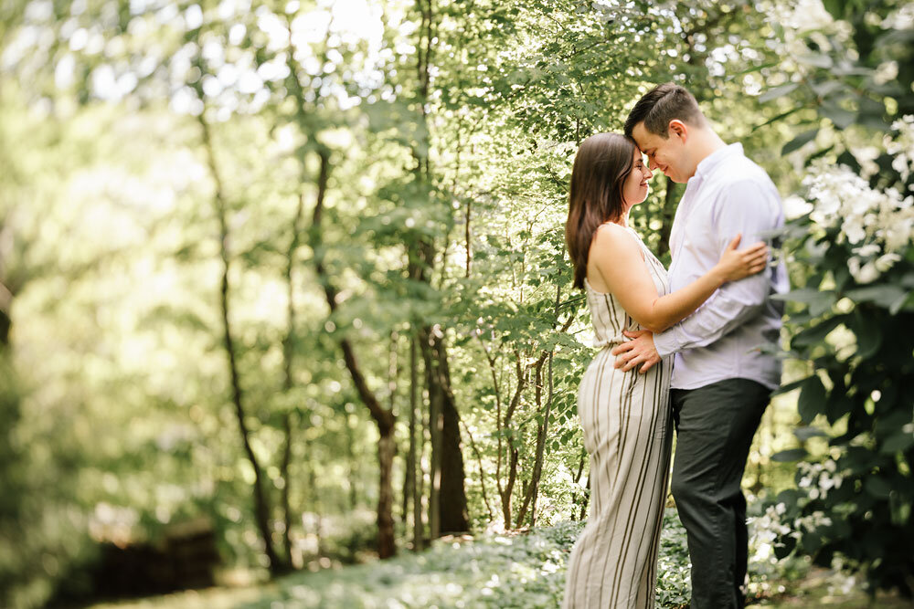 south-chagrin-reservation-engagement-portraits-wedding-photographers-in-cleveland-3.jpg