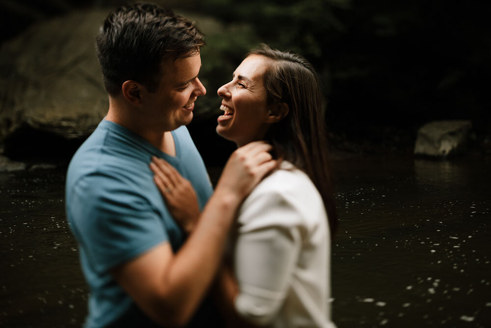 south-chagrin-reservation-engagement-portraits-wedding-photographers-in-cleveland-20.jpg