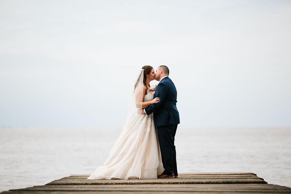 catawba-island-club-wedding-photography-sandusky-port-clinton-wedding-photographers-lake-erie-35.jpg