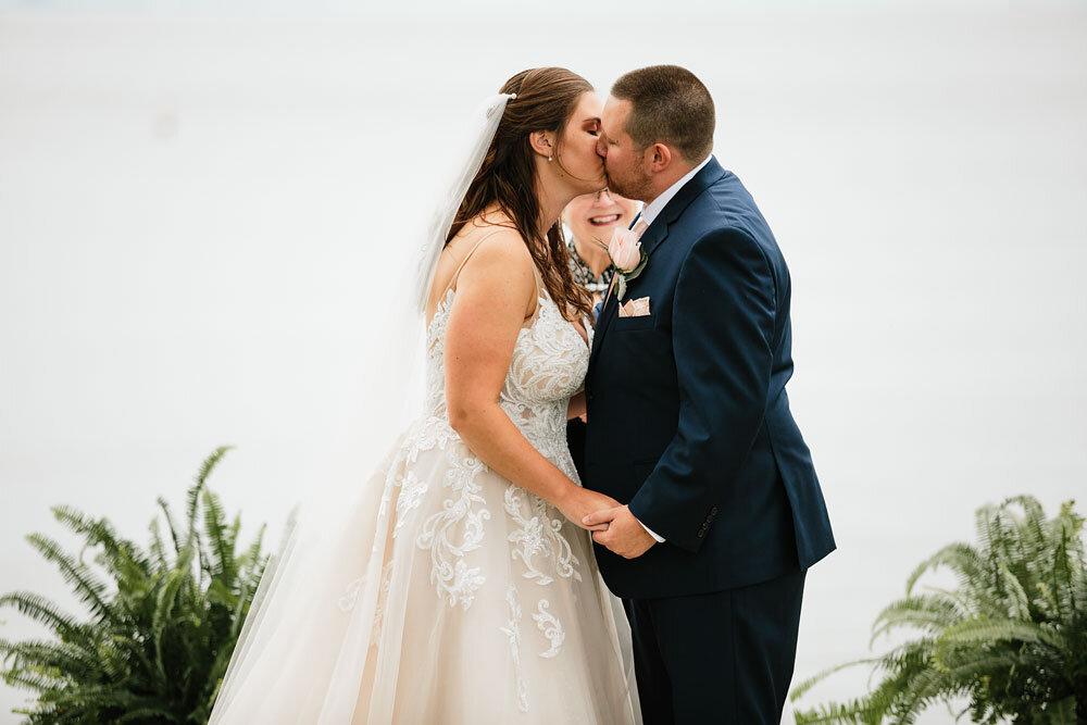 catawba-island-club-wedding-photography-sandusky-port-clinton-wedding-photographers-lake-erie-69.jpg