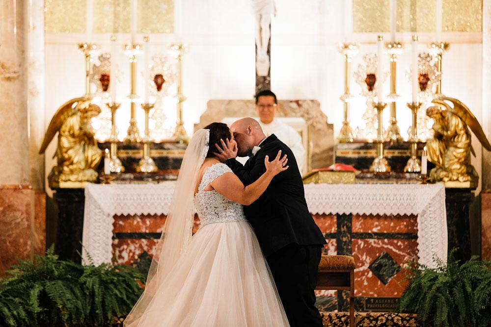 tremont-cityside-ballroom-wedding-city-side-wedding-photography-cleveland-wedding-photographers-36.jpg