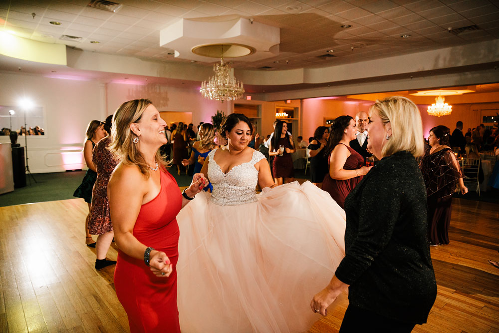 tremont-cityside-ballroom-wedding-city-side-wedding-photography-cleveland-wedding-photographers-113.jpg