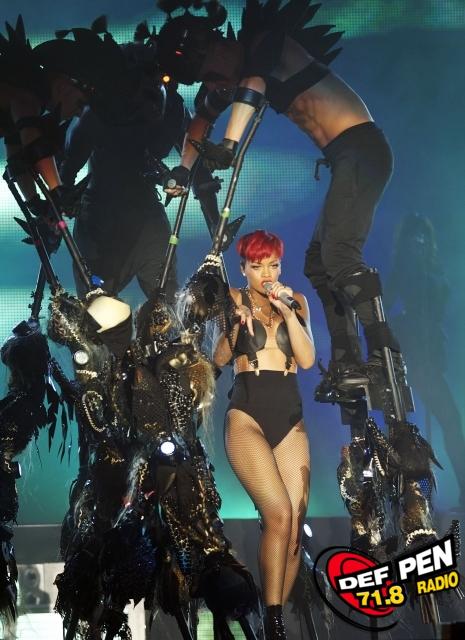 FP_5145327_TRG_Rihanna_060510.jpg