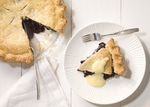 mare_blueberry_pie_with_cornmeal_crust_h.jpg