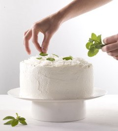 mare_coconut_mint_cream_cake_v.jpg