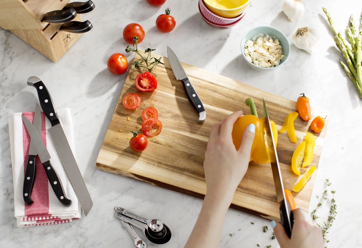 5445248_DS_Semi-Annual Cookware_Cuttlery and Cutting Boards_300_H_WEB.jpg
