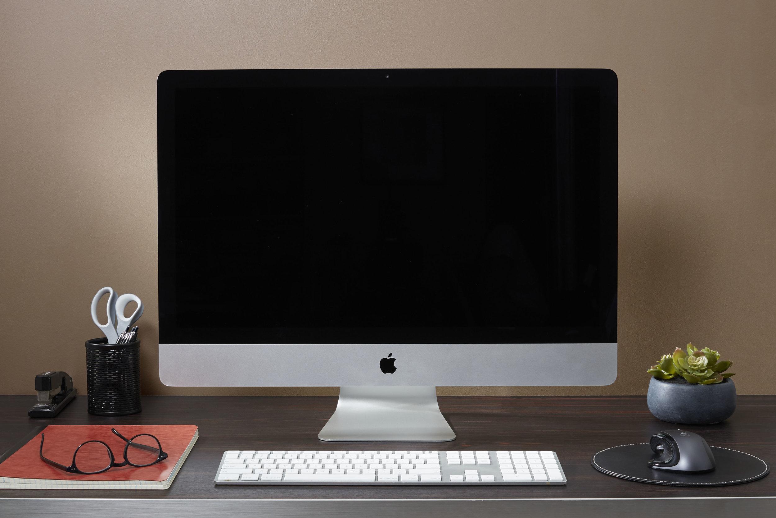 Manly Desk Straight On.jpg