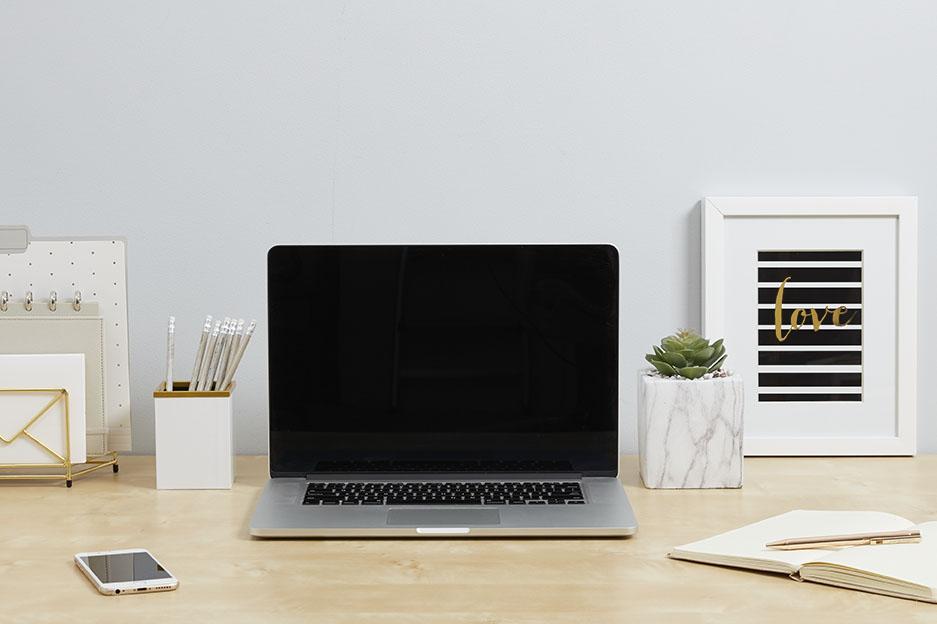Desktop_White-Beige-Gold.jpg