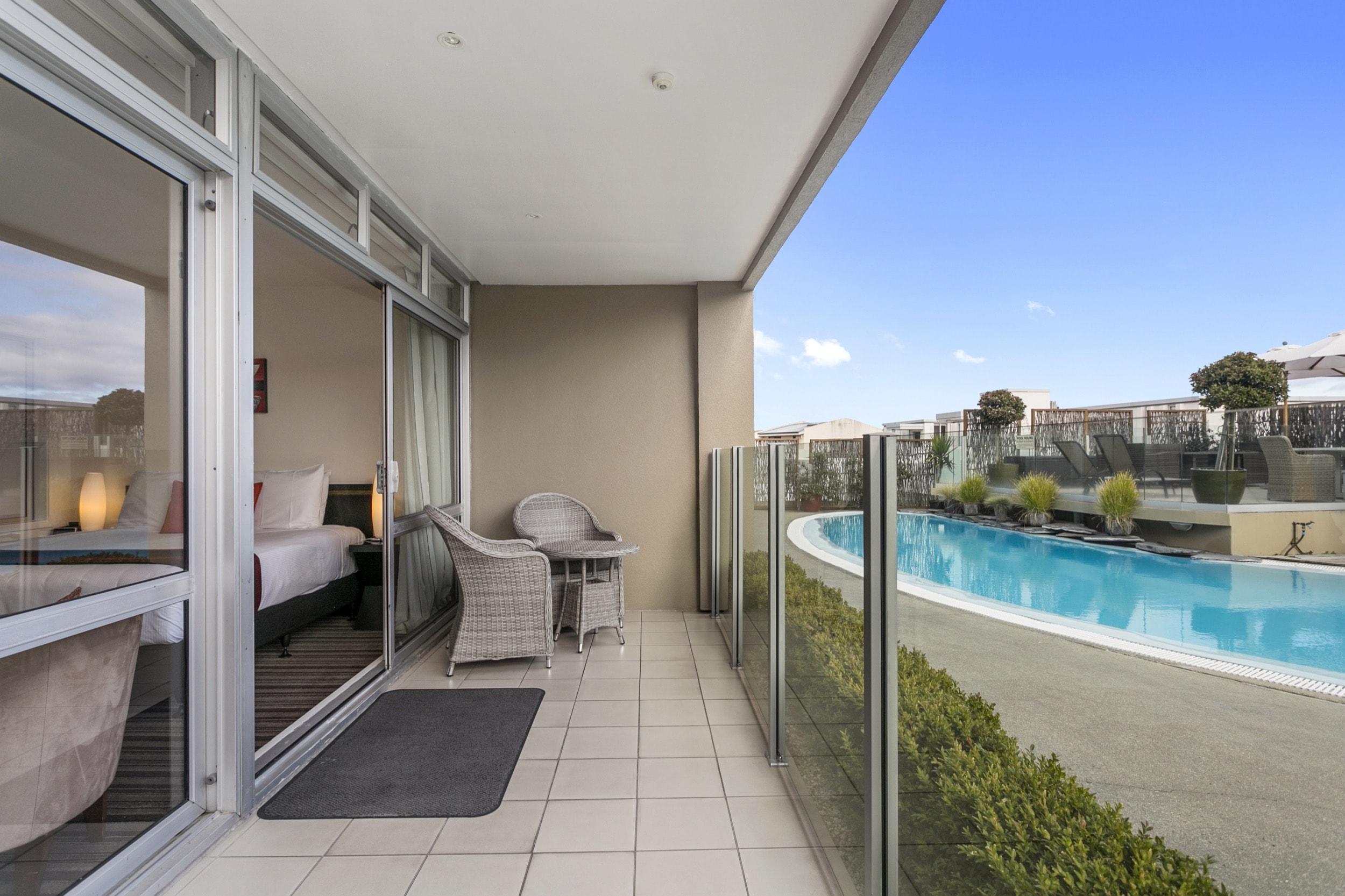 Luxury Studio poolside poolside patio-min.jpg