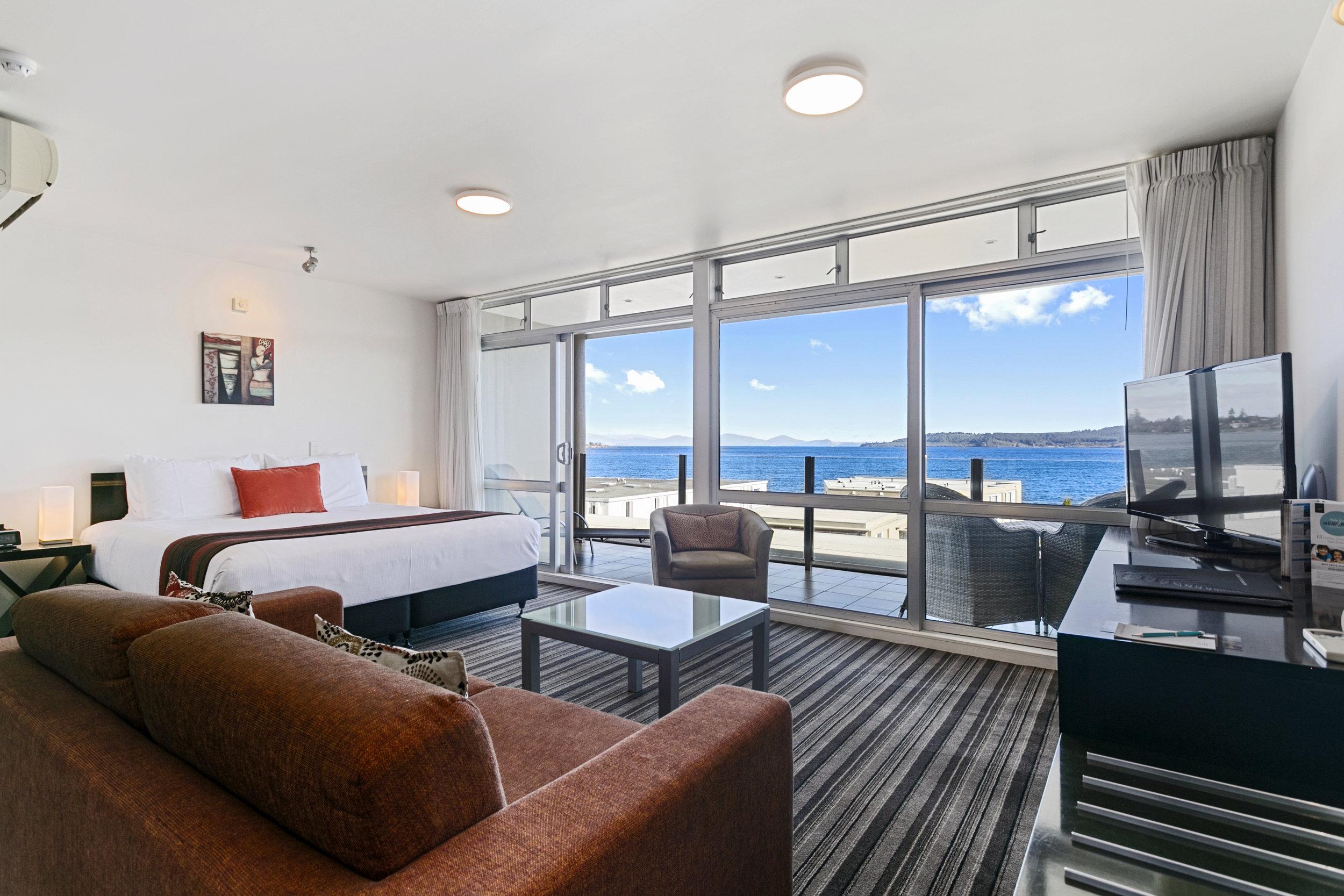 Luxury Studio with Lake Views 7.jpg