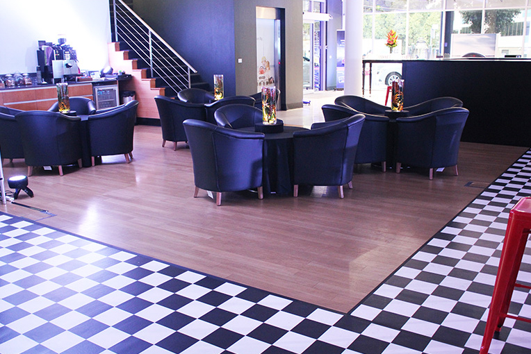 MercAMG Lounge.jpg