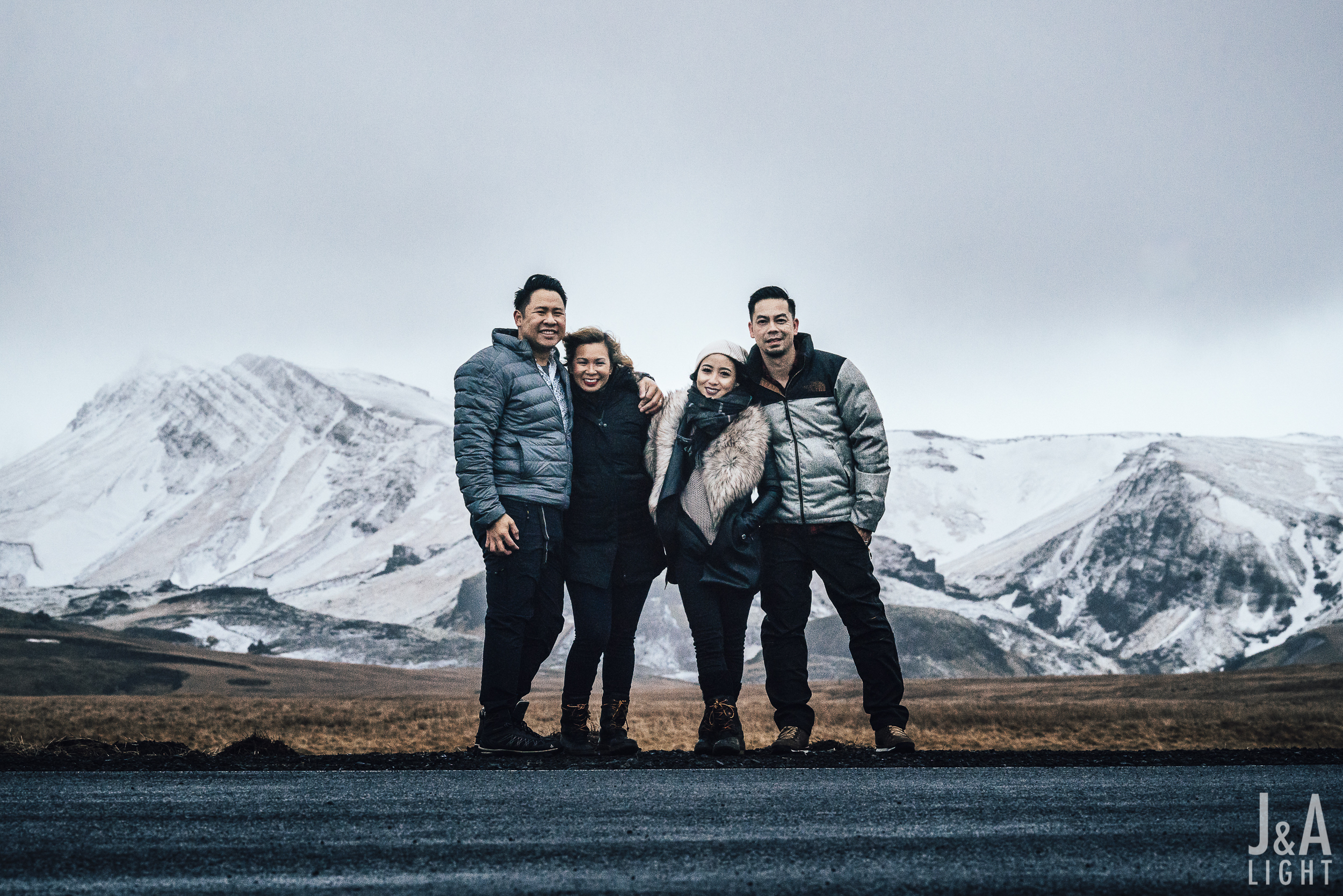 20180114-IcelandEngagementPortraits_EuropeDestinationWedding-007.jpg