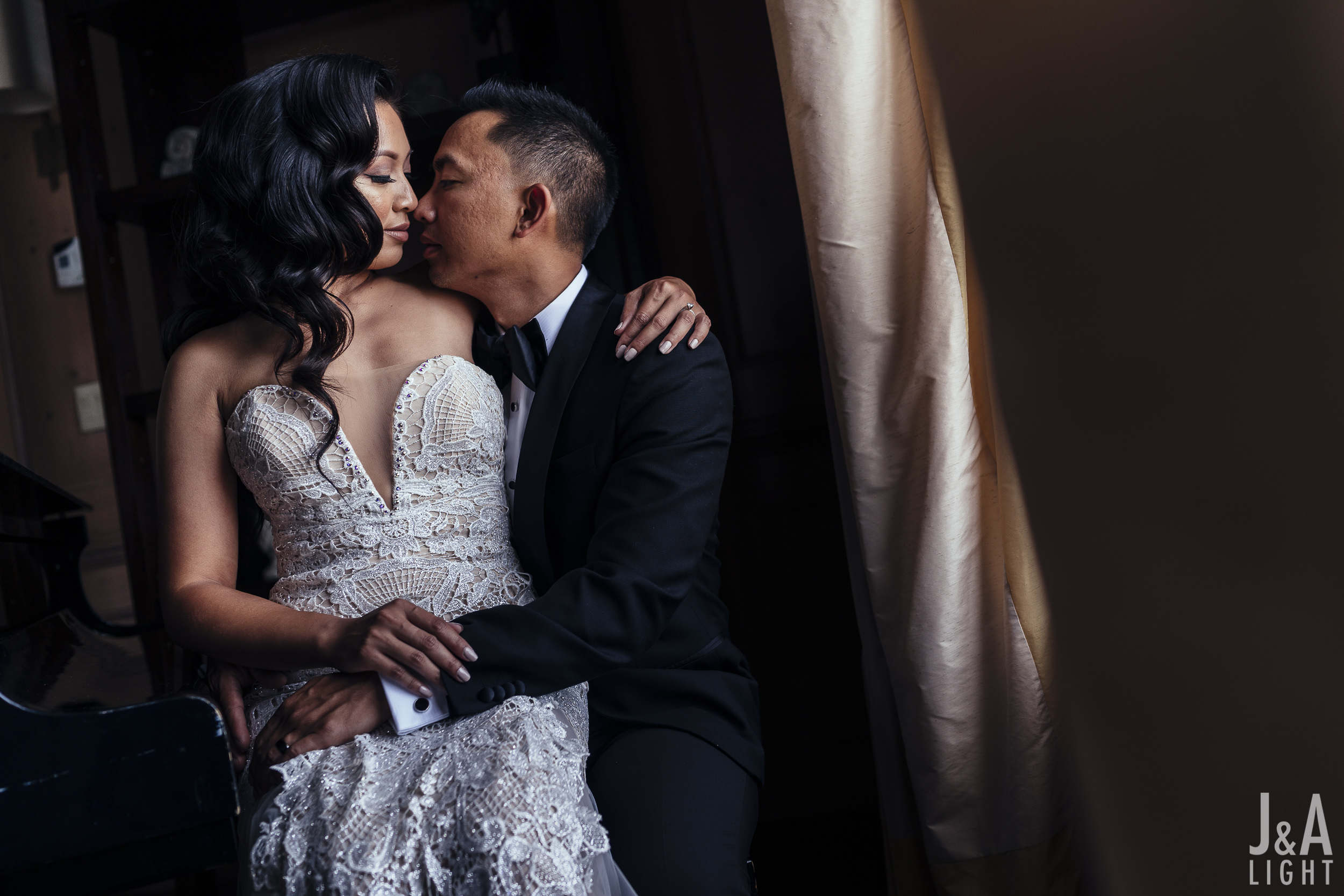 20180722-AdrJohPost-FairmontSanFranciscoWedding_FairmontEngagement-018.jpg