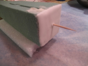 Yup, YES I DID use foam!!! *Please note the bottom is covered so the foam doesnot to touch the cake part.