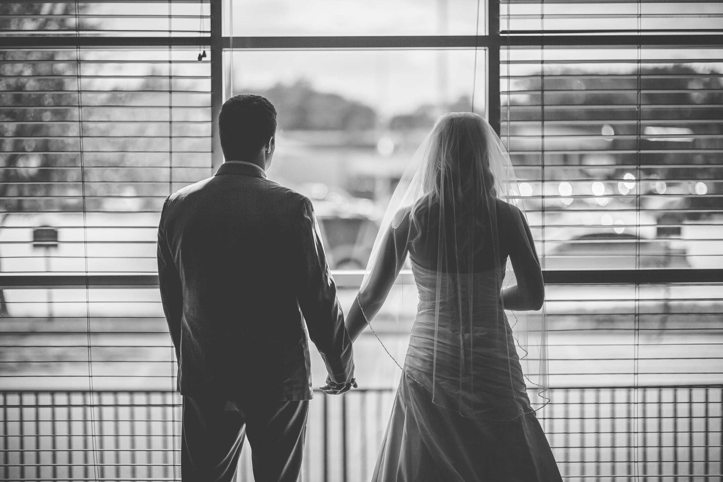 RockStarWeddings-Fargo-North-Dakota-Photographer-couple
