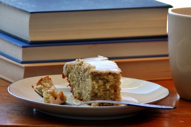 Feb 9 Lemon Poppy Seed Cake (640x427).jpg
