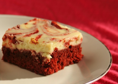 Feb 12 Red Velvet Brownies 020 (400x286).jpg