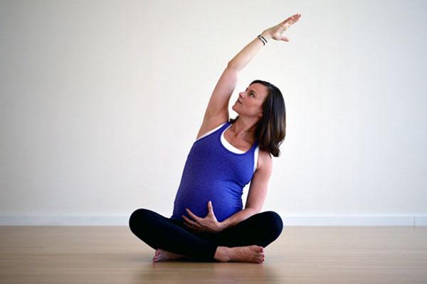 EasternOsteo_Yoga_Pregnancy_prenatal.jpg