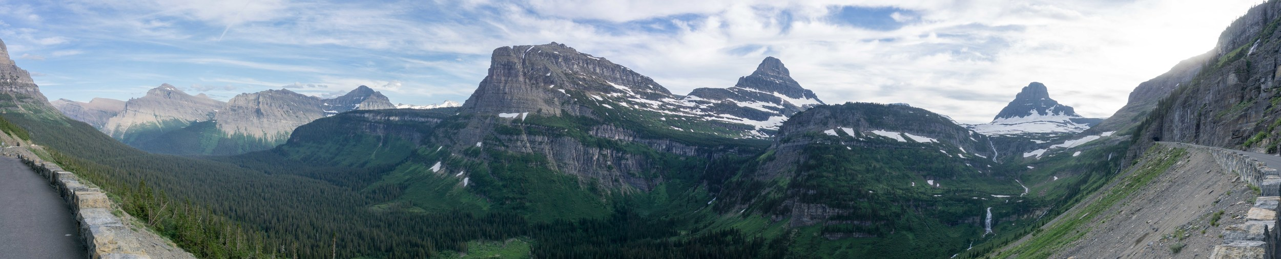 Going to the Sun Road just before Logans Pass
