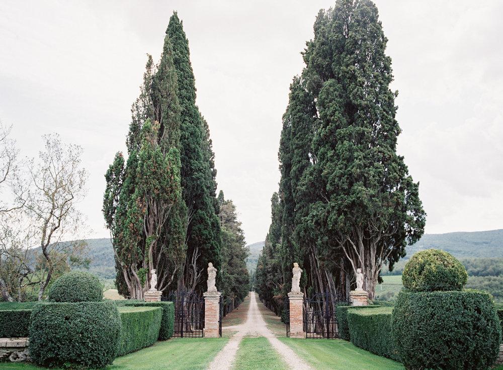 BORGO STOMENNANO Fine Art Film Tuscan Italy Wedding Photographer