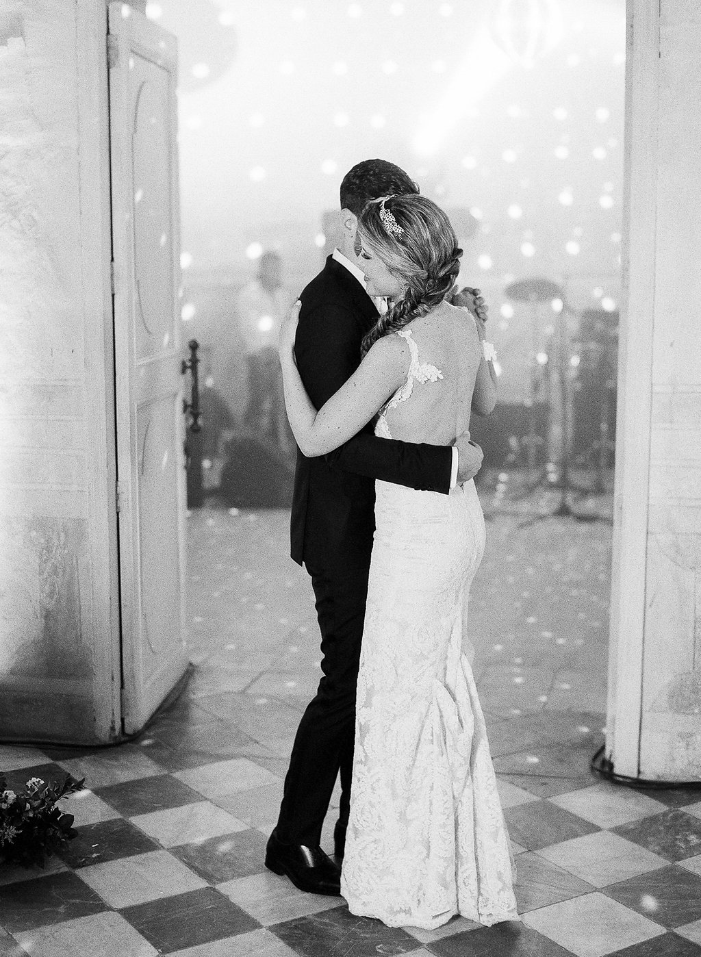 Vicki Grafton Photography, Fine art film destination wedding photographer, washington DC, Virginia, cartagena, california, new york, First Dance