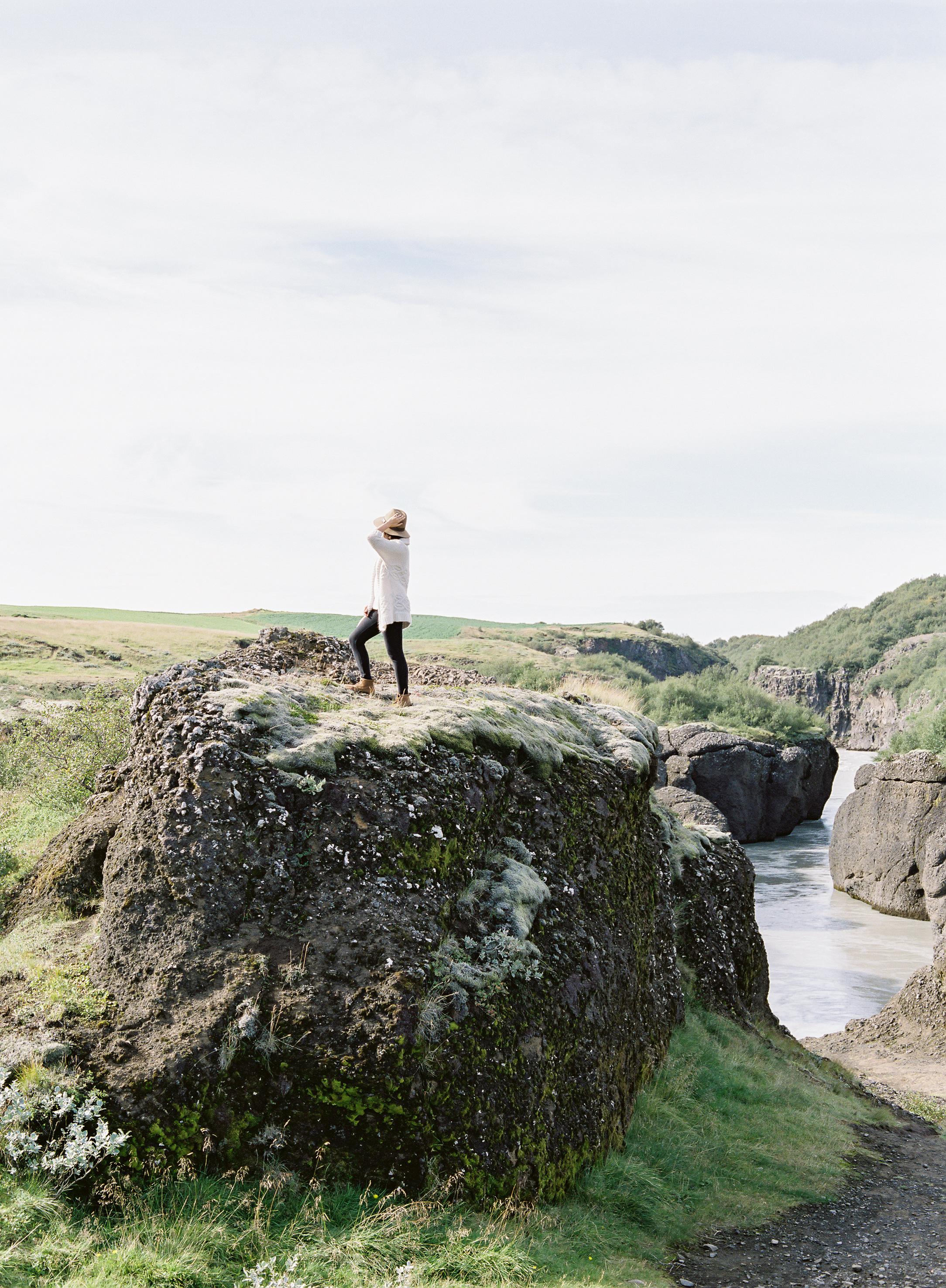 VickiGraftonPhotography-IcelandWeddingEngagementPhotographer-FineArtFilmWeddingPhotographer-70.jpg